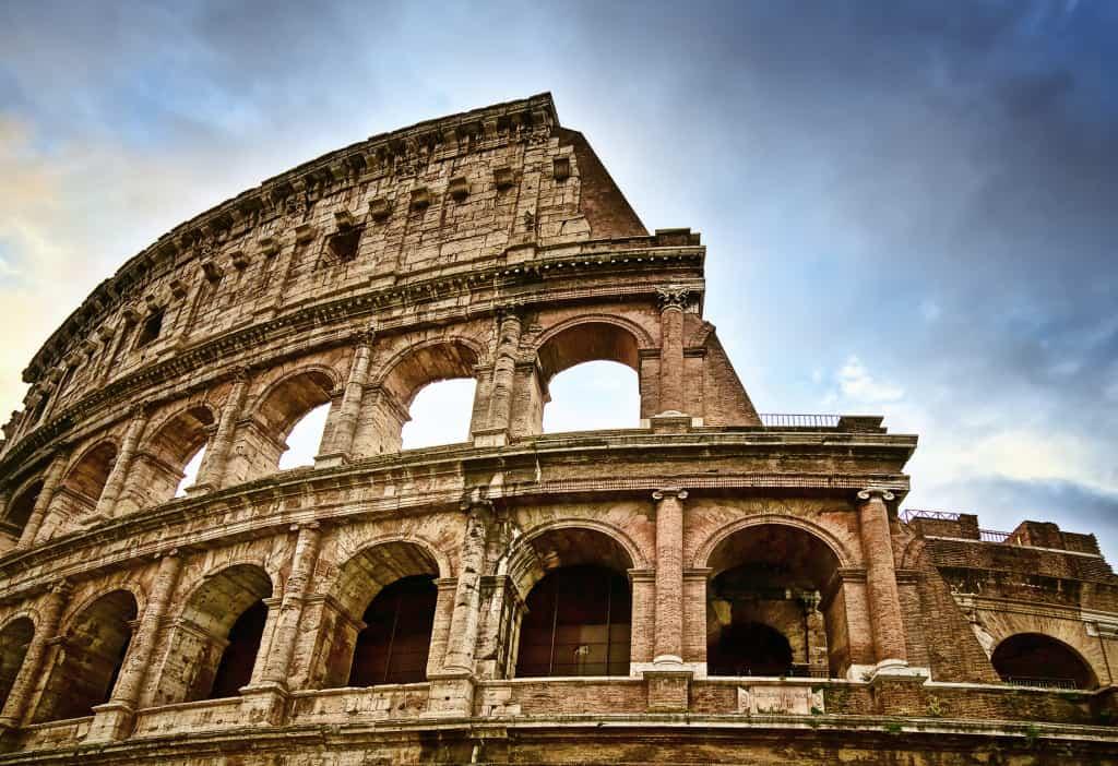 Un a delle 10 attrazioni principali di Roma: il Colosseo