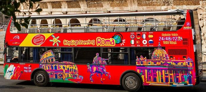 Roma quando piove: la bellezza di un giro sui bus turistici